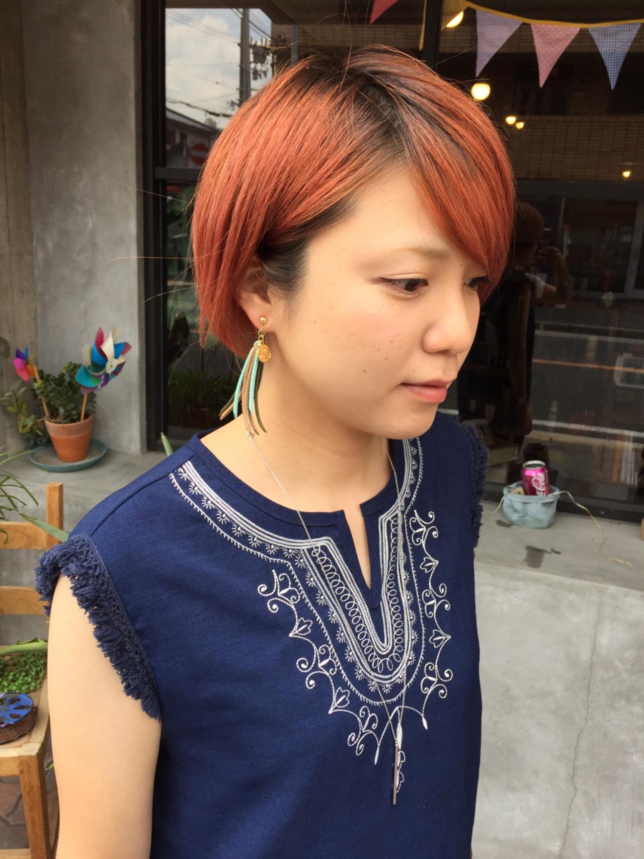 ダブルカラー ストリート ショート ピンク ヘアスタイルや髪型の写真・画像