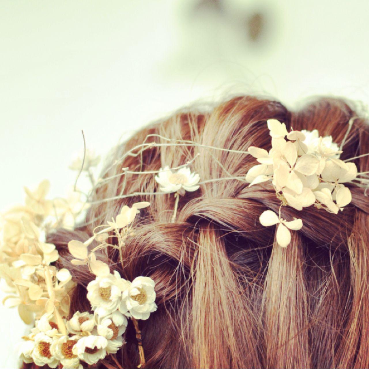 お花がたくさん♡結婚式にピッタリな華やかなヘアアレンジ特集 岩井祐美子 ALICE