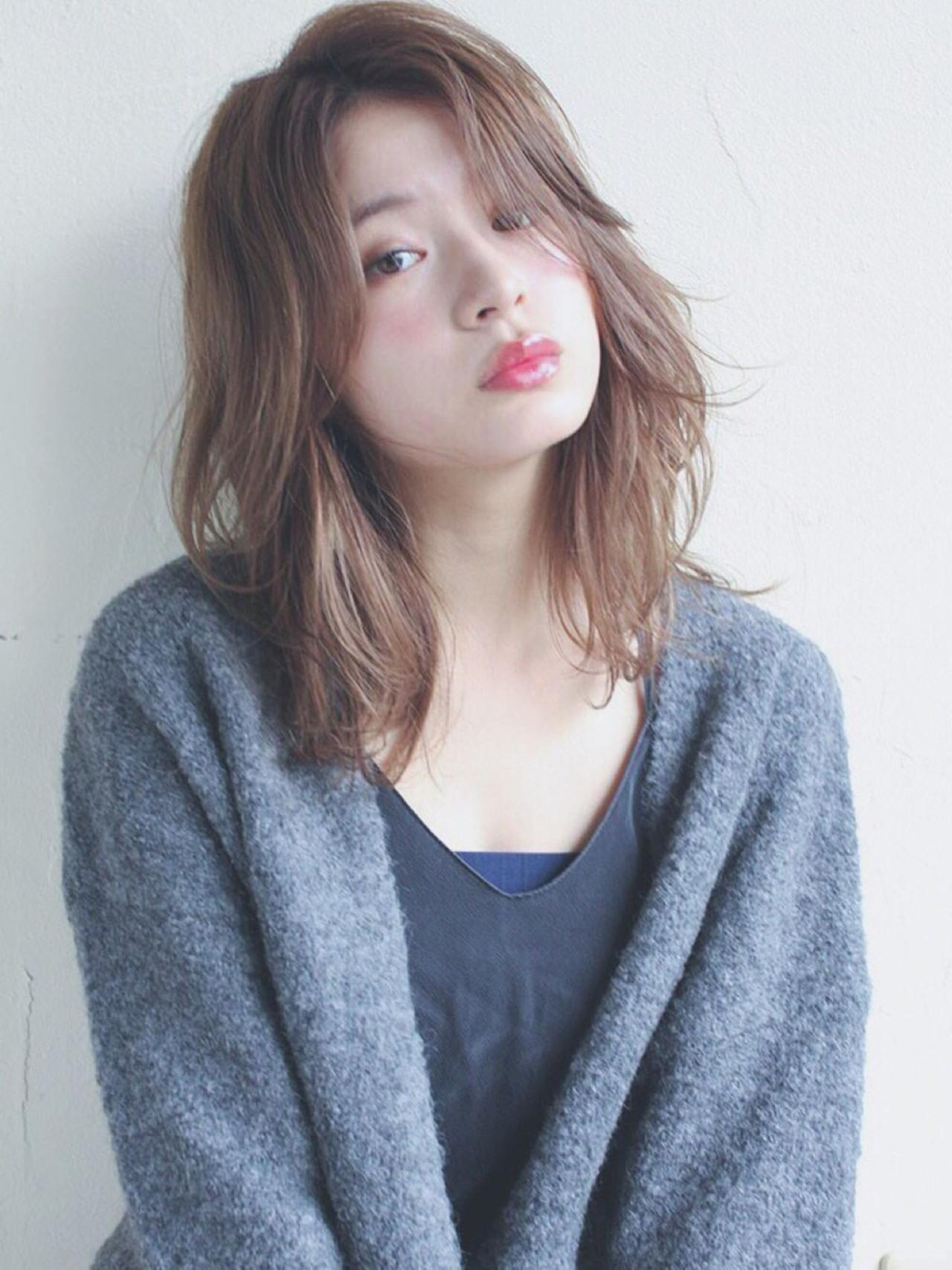 小顔 ブラウンベージュ こなれ感 ミディアム ヘアスタイルや髪型の写真・画像