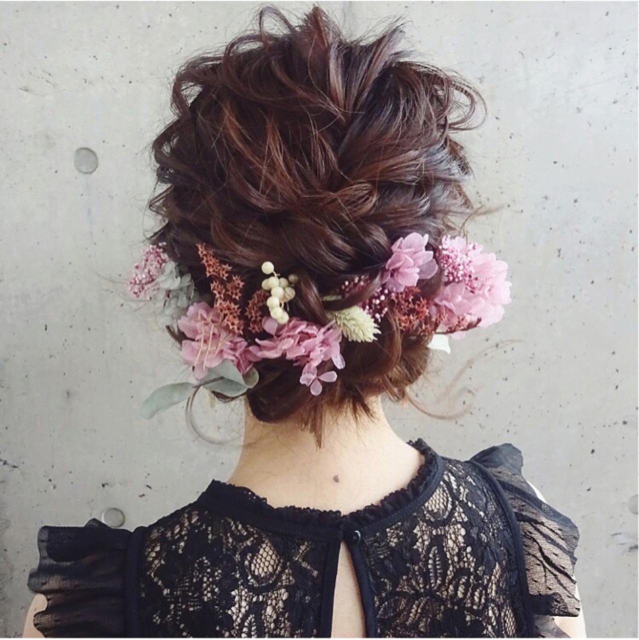 イベント事のドレスにあわせた髪型は豪華めに。いつもと違う自分になっちゃおう