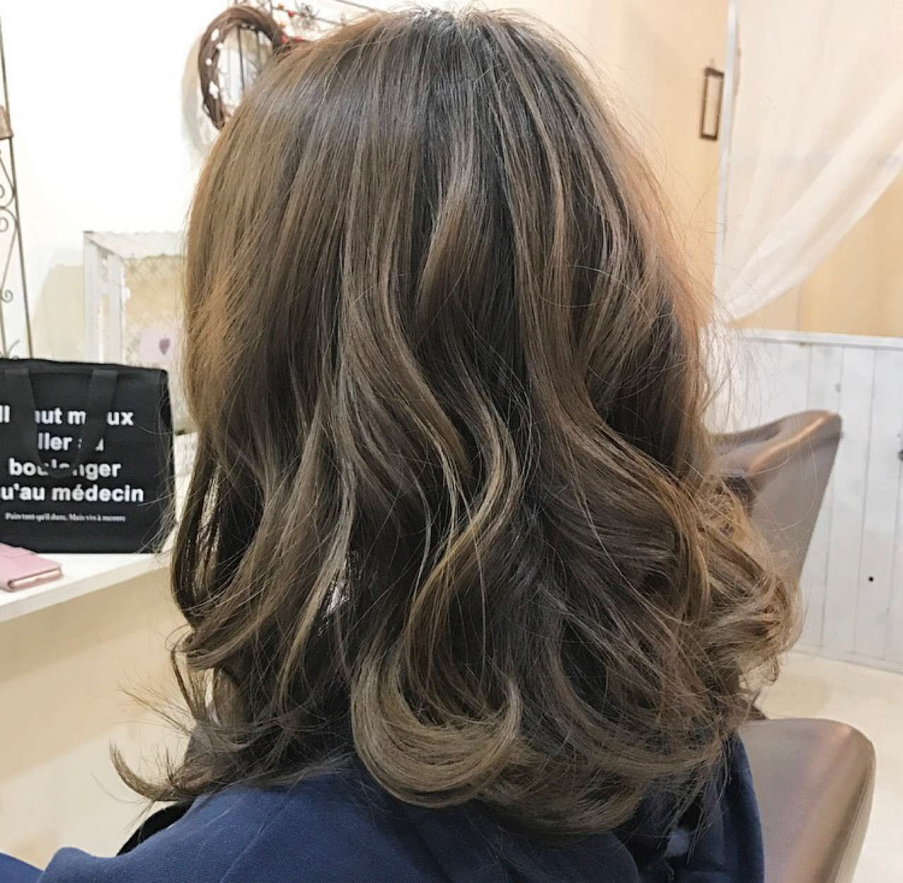 フェミニン ボブ ミディアム 大人かわいい ヘアスタイルや髪型の写真・画像