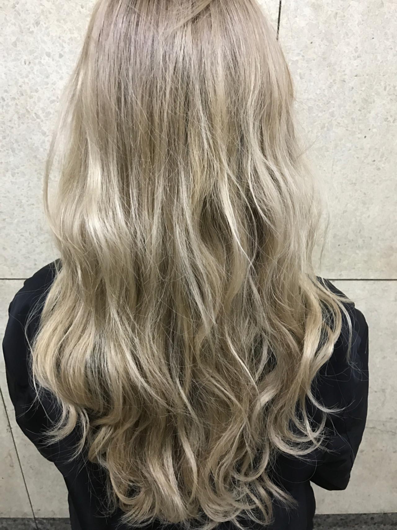 ストリート 金髪 ロング ハイトーン ヘアスタイルや髪型の写真・画像