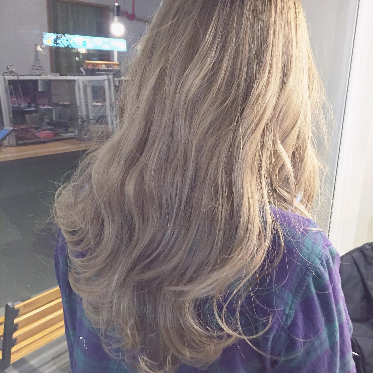 ナチュラル グラデーションカラー ハイトーン セミロング ヘアスタイルや髪型の写真・画像