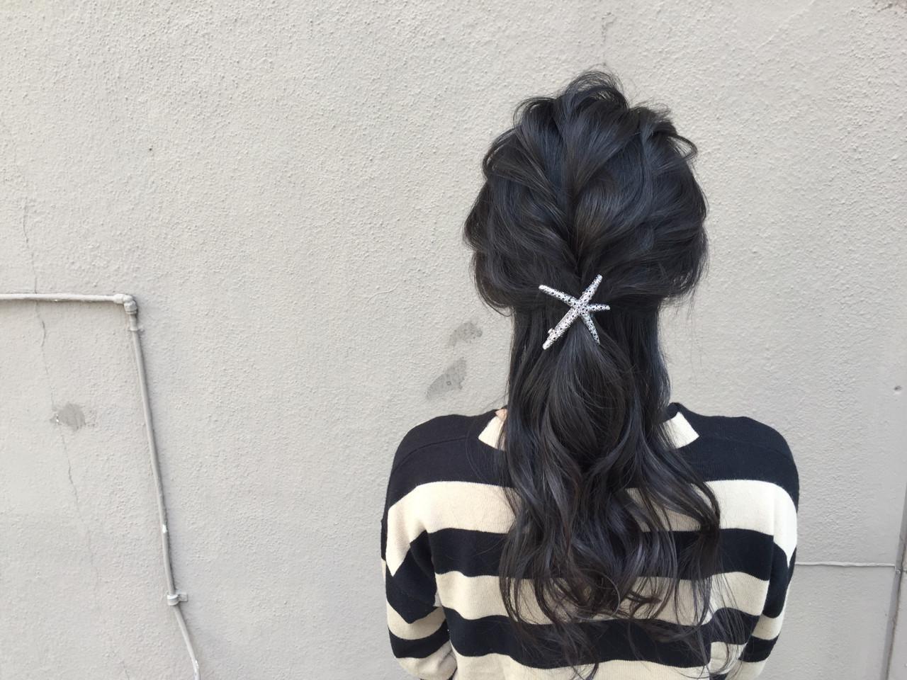暗髪 ヘアアクセ 大人女子 こなれ感 ヘアスタイルや髪型の写真・画像