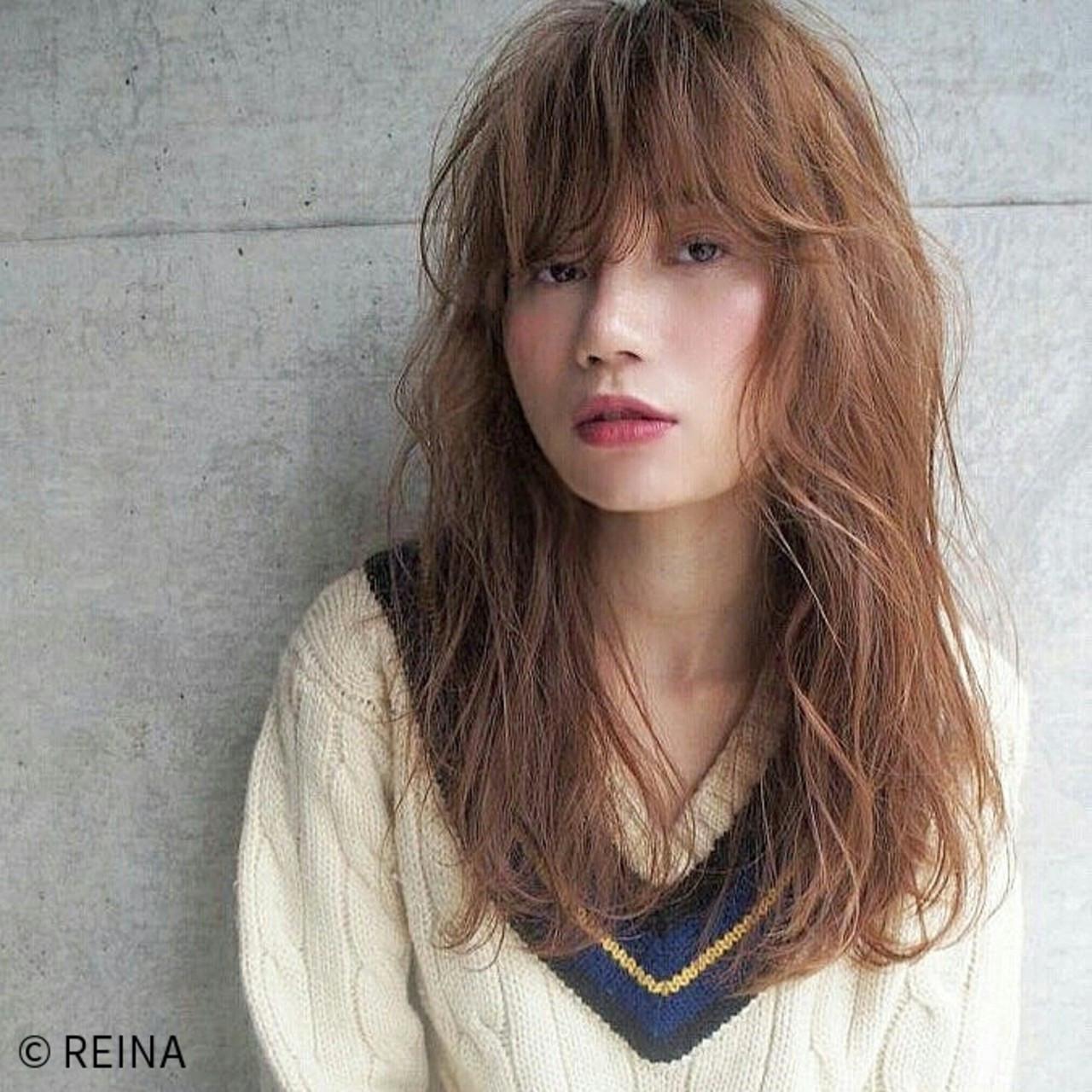 外国人風 うざバング ミディアム アッシュ ヘアスタイルや髪型の写真・画像