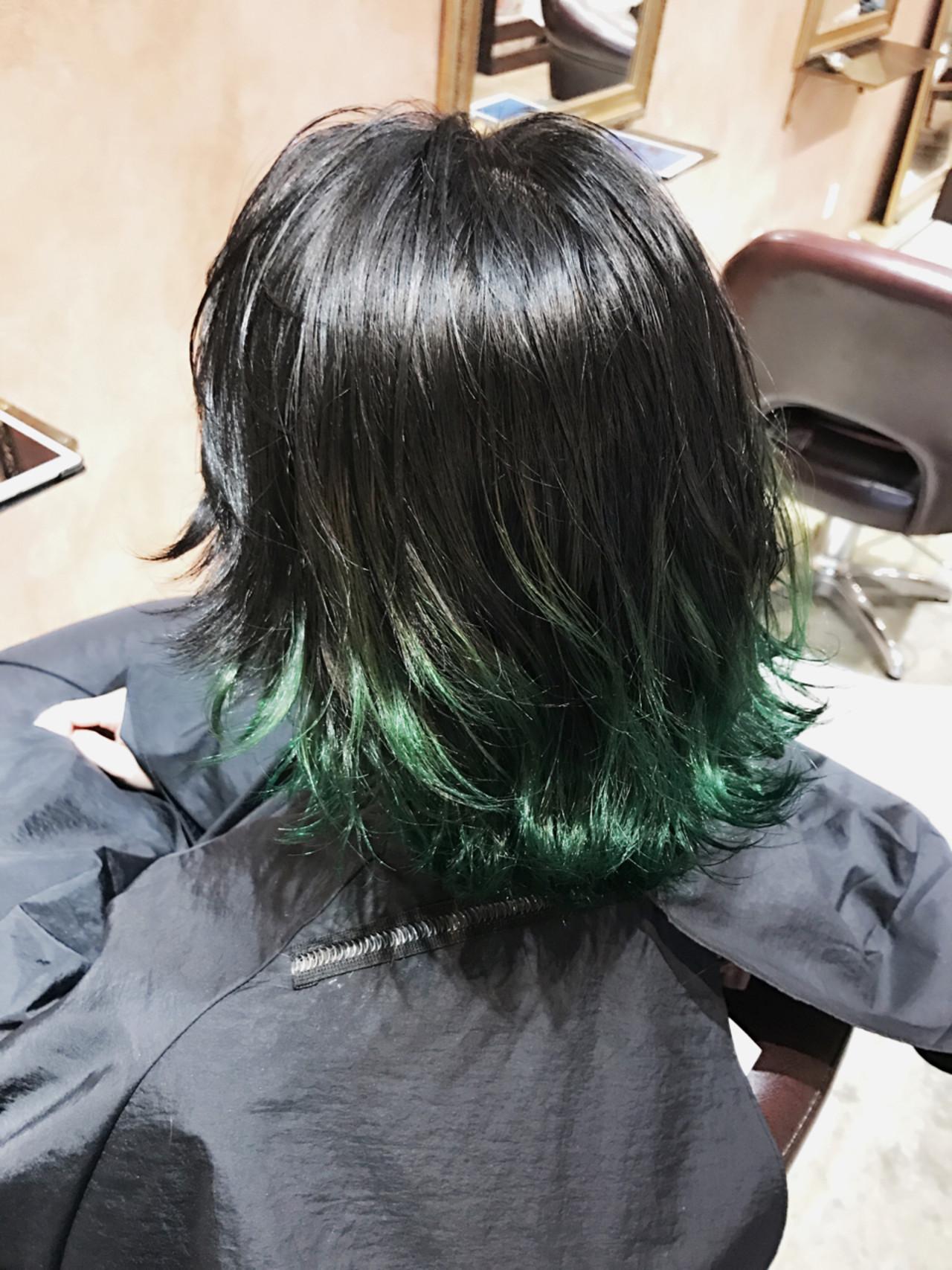 グラデーションカラー ストリート 暗髪 グリーン ヘアスタイルや髪型の写真・画像