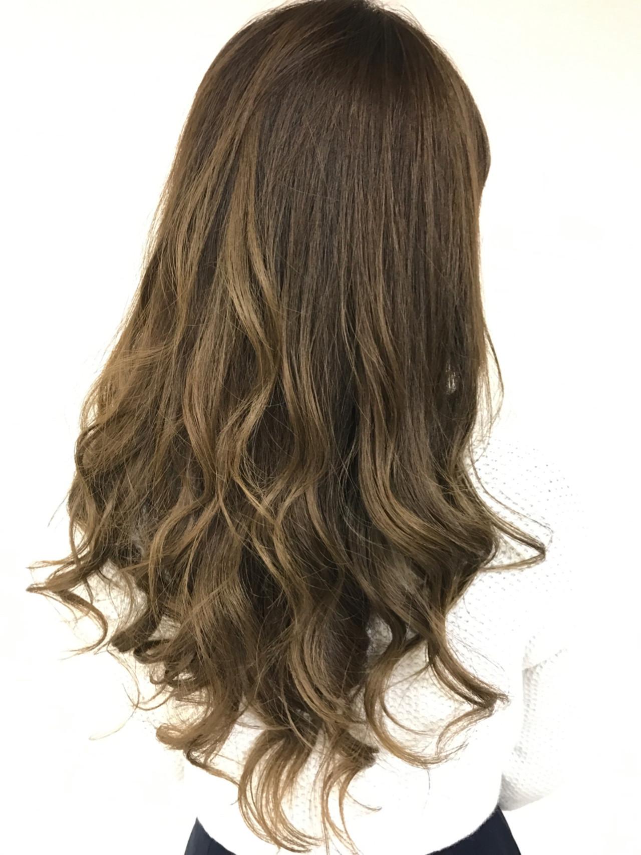 イルミナカラー グラデーションカラー ロング ブリーチなし ヘアスタイルや髪型の写真・画像