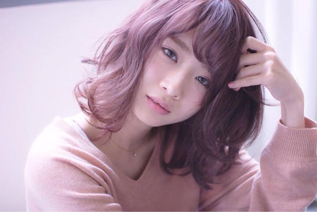 最新トレンドカラー「ピンクグレージュ」で透明感抜群の艶髪を手に入れる♡ 田渕 英和/vicushair