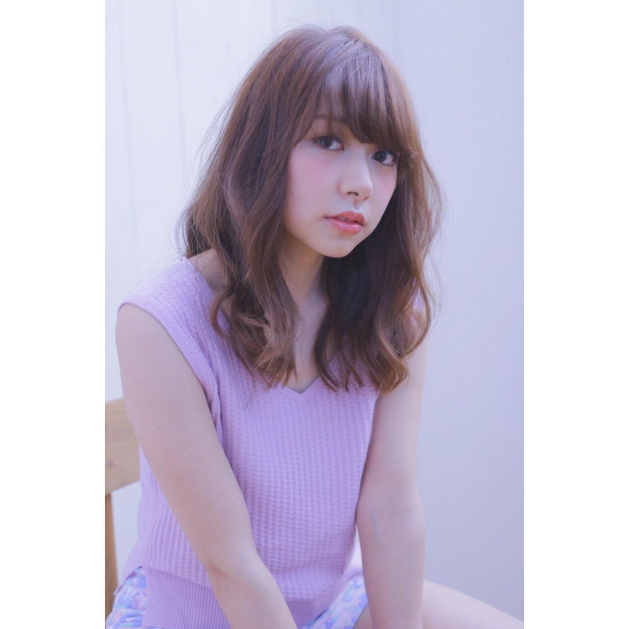 最新トレンドカラー「ピンクグレージュ」で透明感抜群の艶髪を手に入れる♡ ラスバン マモル