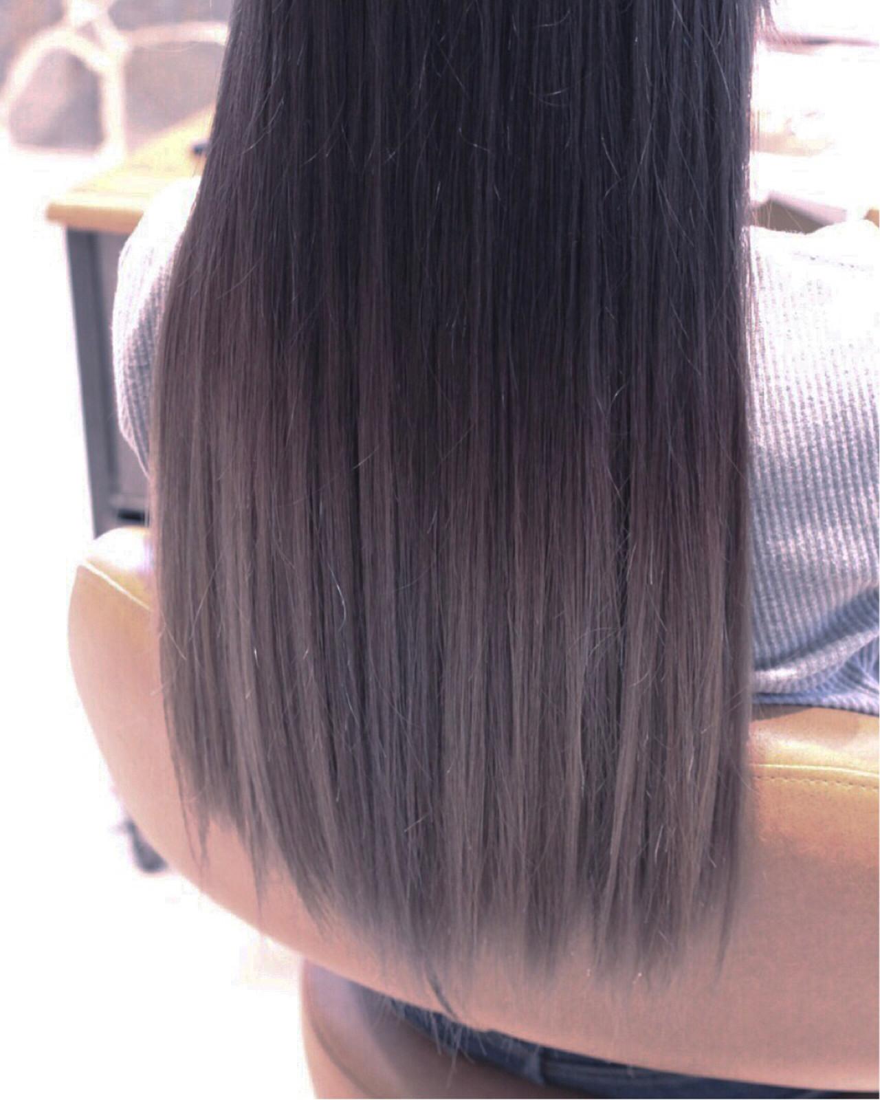 シルバーアッシュ モード ダブルカラー ロング ヘアスタイルや髪型の写真・画像