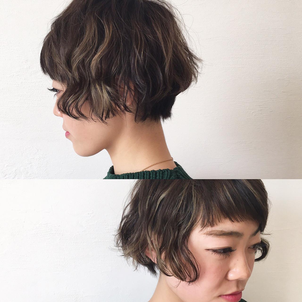 アッシュ インナーカラー ショート 外国人風 ヘアスタイルや髪型の写真・画像