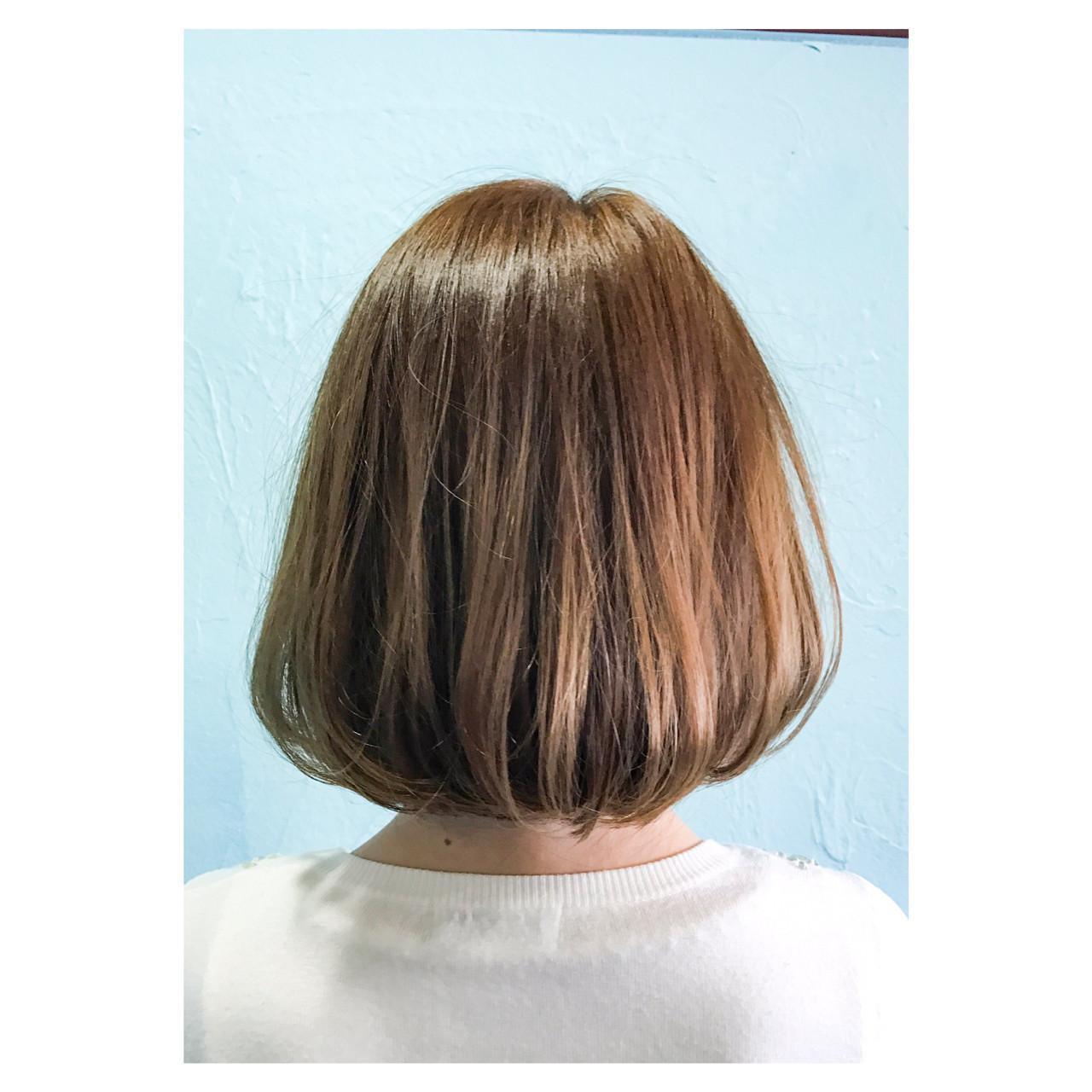 重ため ハイトーン ナチュラル ボブ ヘアスタイルや髪型の写真・画像