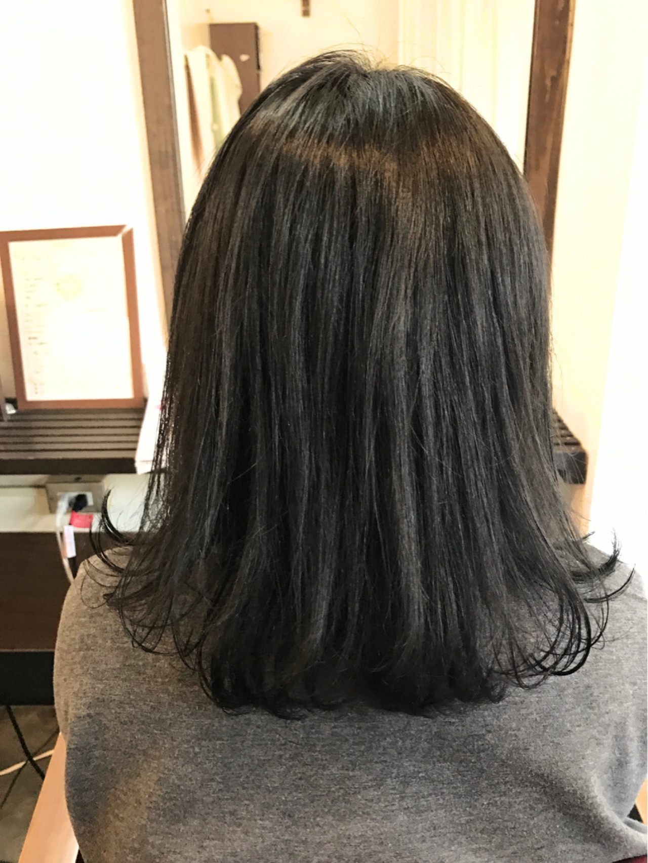 黒髪×ミディアム×パーマは色気たっぷりのおフェロスタイルに♡ 桝田 由佳