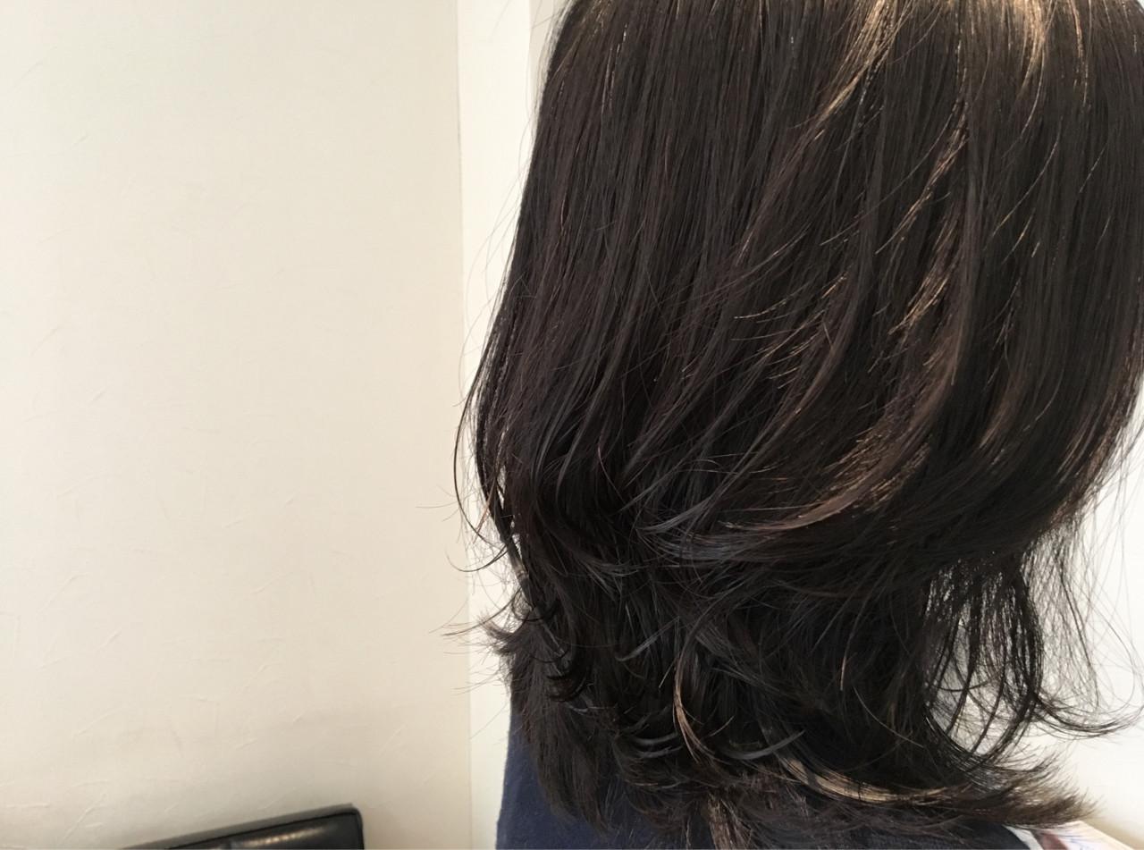黒髪×ミディアム×パーマは色気たっぷりのおフェロスタイルに♡ 植野 朋樹/hair salon cronu