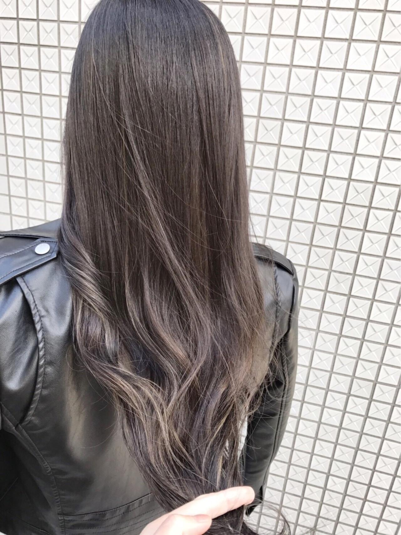 アッシュ ロング エレガント 上品 ヘアスタイルや髪型の写真・画像