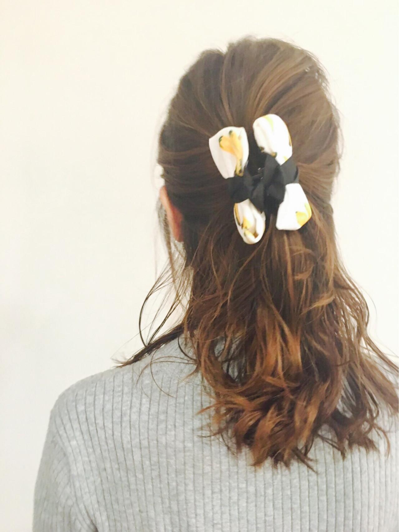 ハーフアップ 大人かわいい ミディアム ヘアクリップ ヘアスタイルや髪型の写真・画像