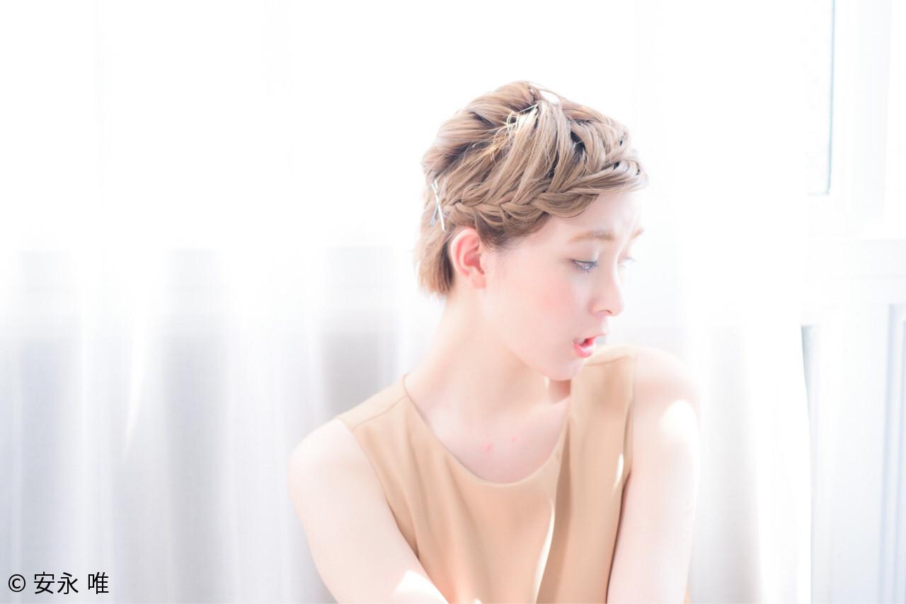 ねじり 三つ編み くせ毛風 ショート ヘアスタイルや髪型の写真・画像