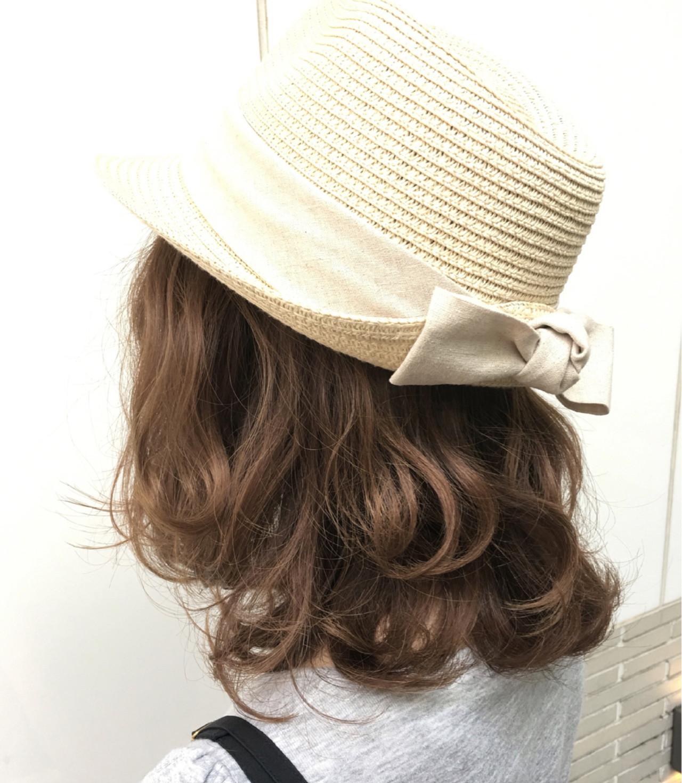 ゆるふわ アッシュ ハイライト ナチュラル ヘアスタイルや髪型の写真・画像
