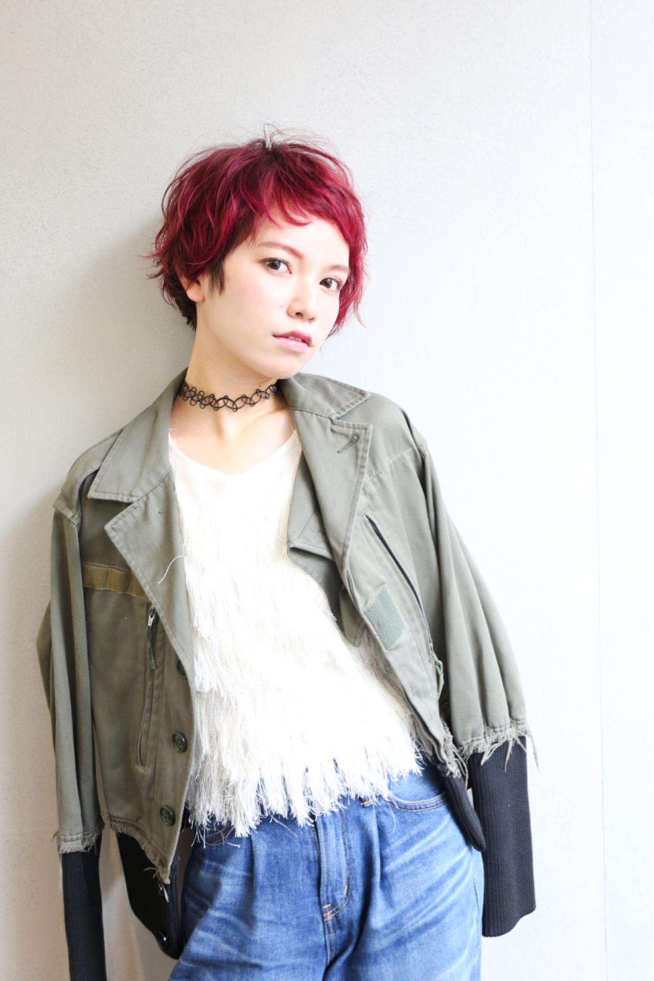 冬 ストリート ウェーブ くせ毛風 ヘアスタイルや髪型の写真・画像
