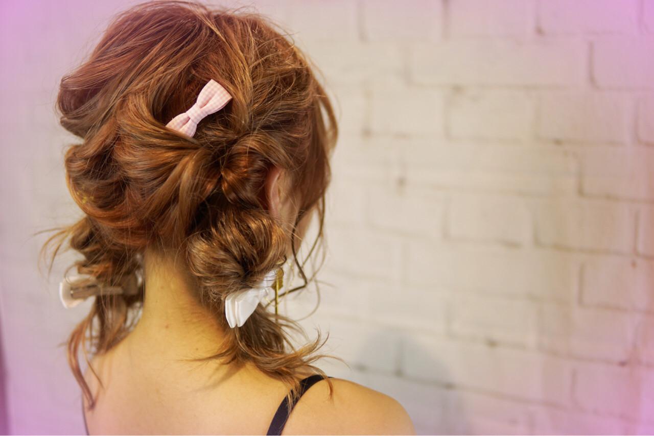 ショート ツインテール くせ毛風 簡単ヘアアレンジ ヘアスタイルや髪型の写真・画像
