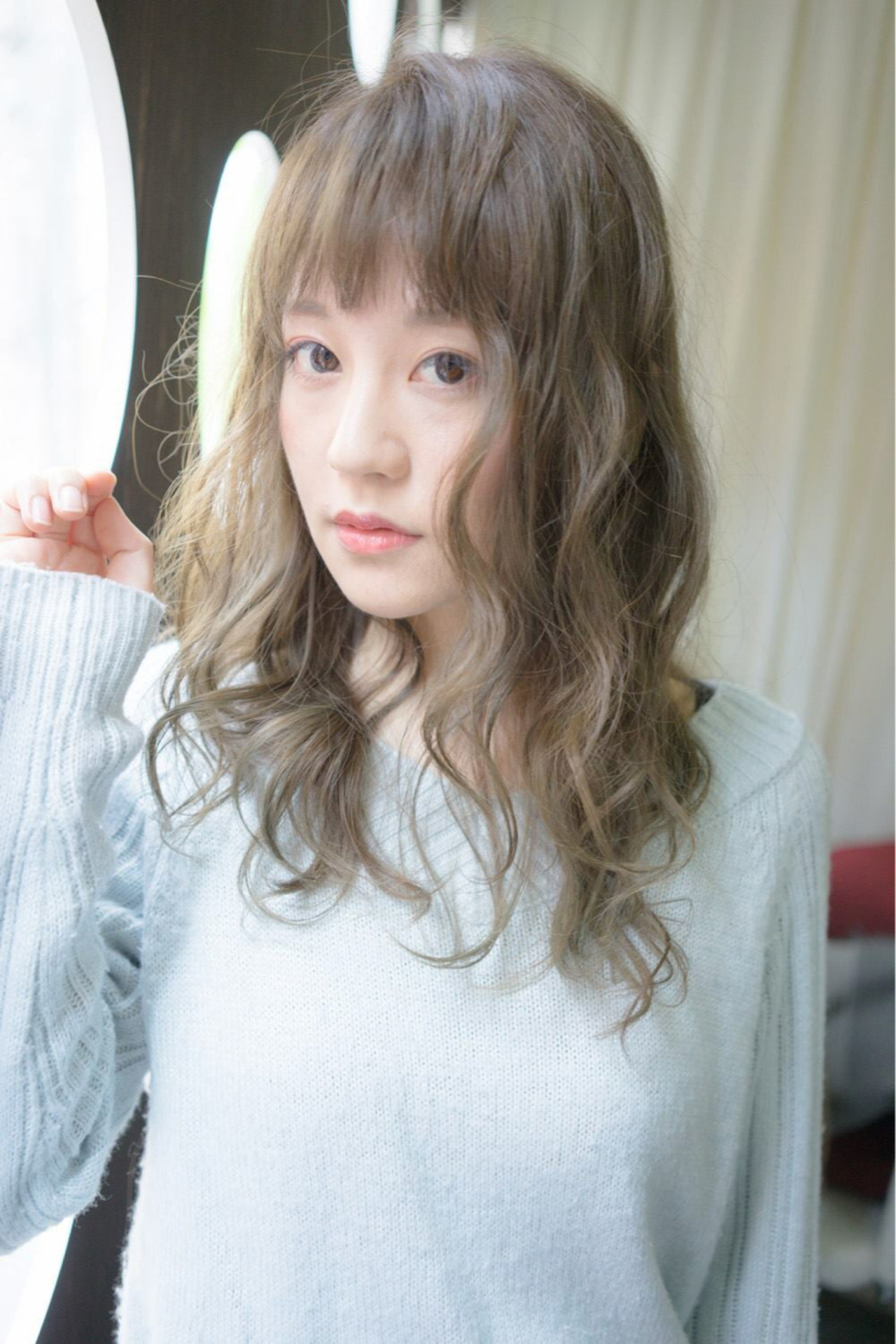 ファッション界、ヘア界ともに人気の万能カラー!カーキマットをご紹介 桝田 由佳 / vicus hair