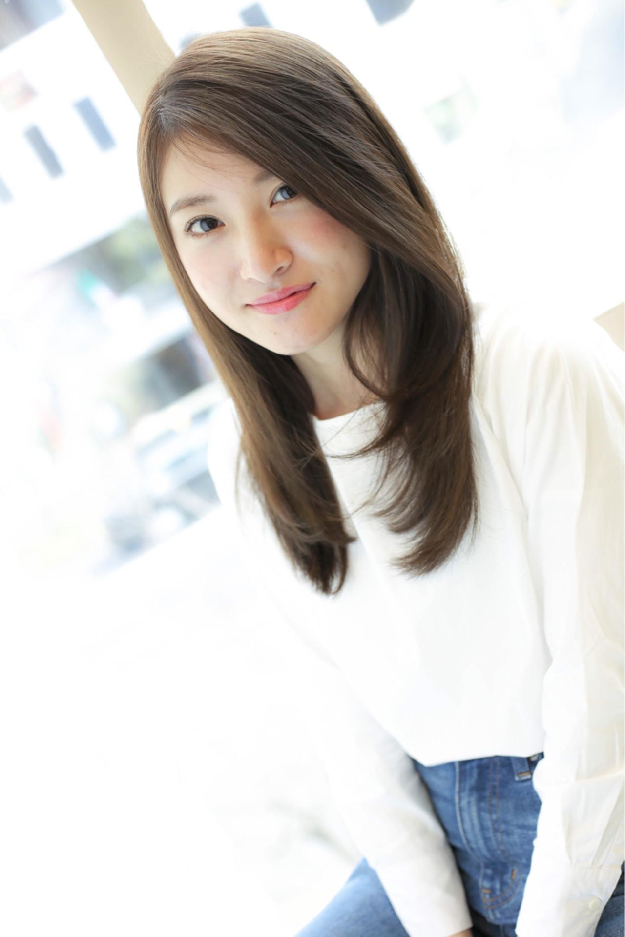 温かみある色で女性らしさが急上昇!アッシュグレージュのすすめ 吉田隼人 / GALLARIA elegante