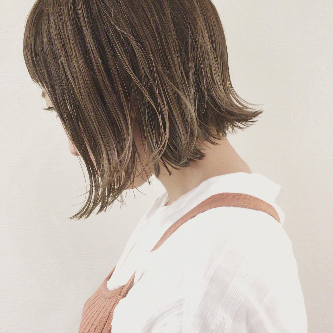 デート ボブ インナーカラー 切りっぱなし ヘアスタイルや髪型の写真・画像