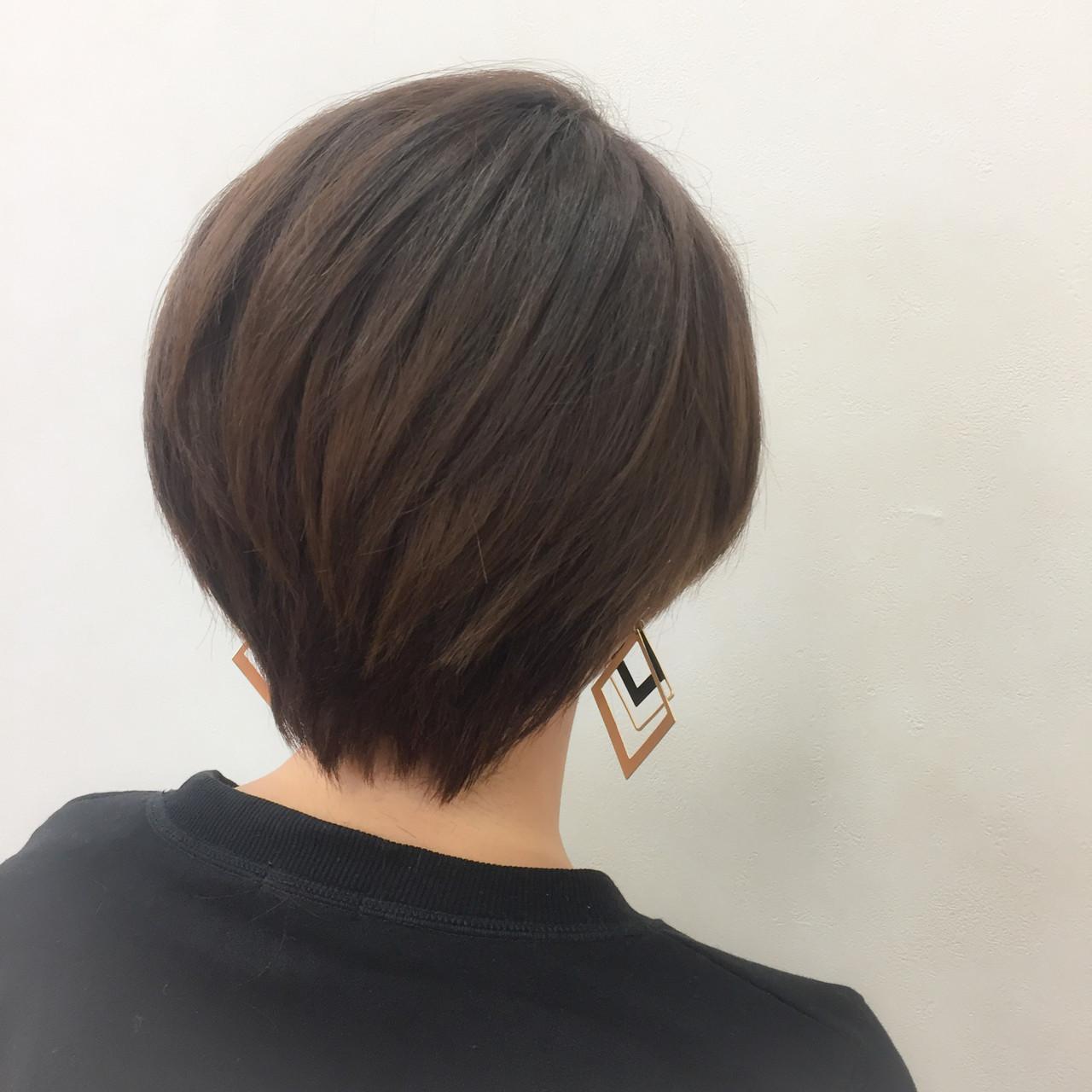 ショート ストレート 暗髪 ブラウン ヘアスタイルや髪型の写真・画像