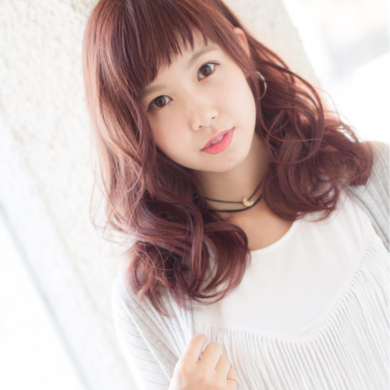 パーマ 透明感 フェミニン ピンク ヘアスタイルや髪型の写真・画像