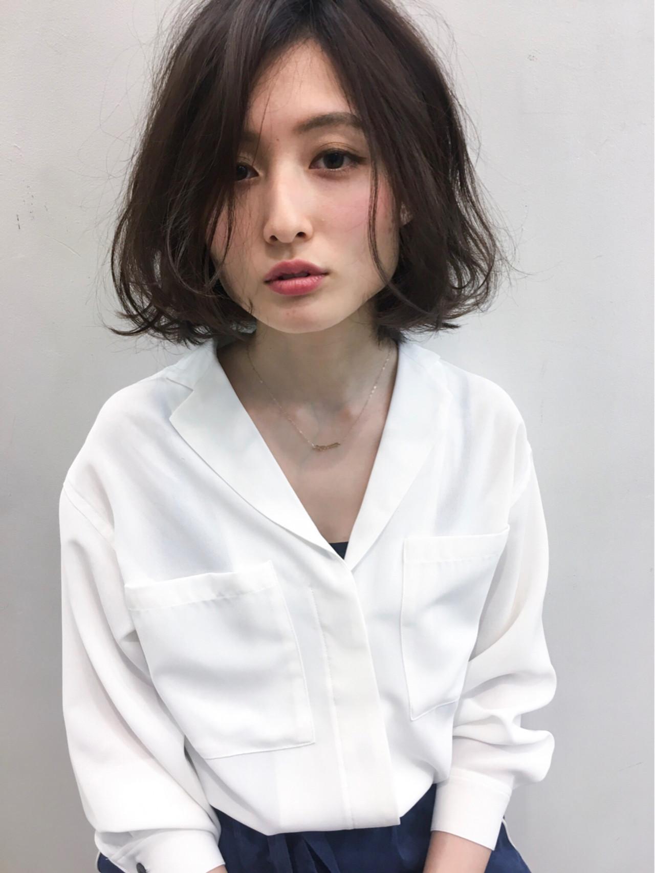 パーマ インナーカラー 艶髪 アッシュ ヘアスタイルや髪型の写真・画像