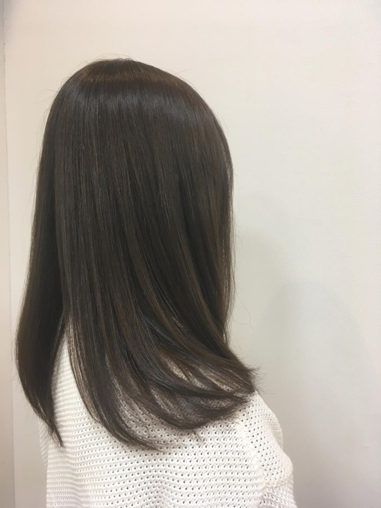 イルミナカラー ナチュラル グレーアッシュ アッシュグレー ヘアスタイルや髪型の写真・画像