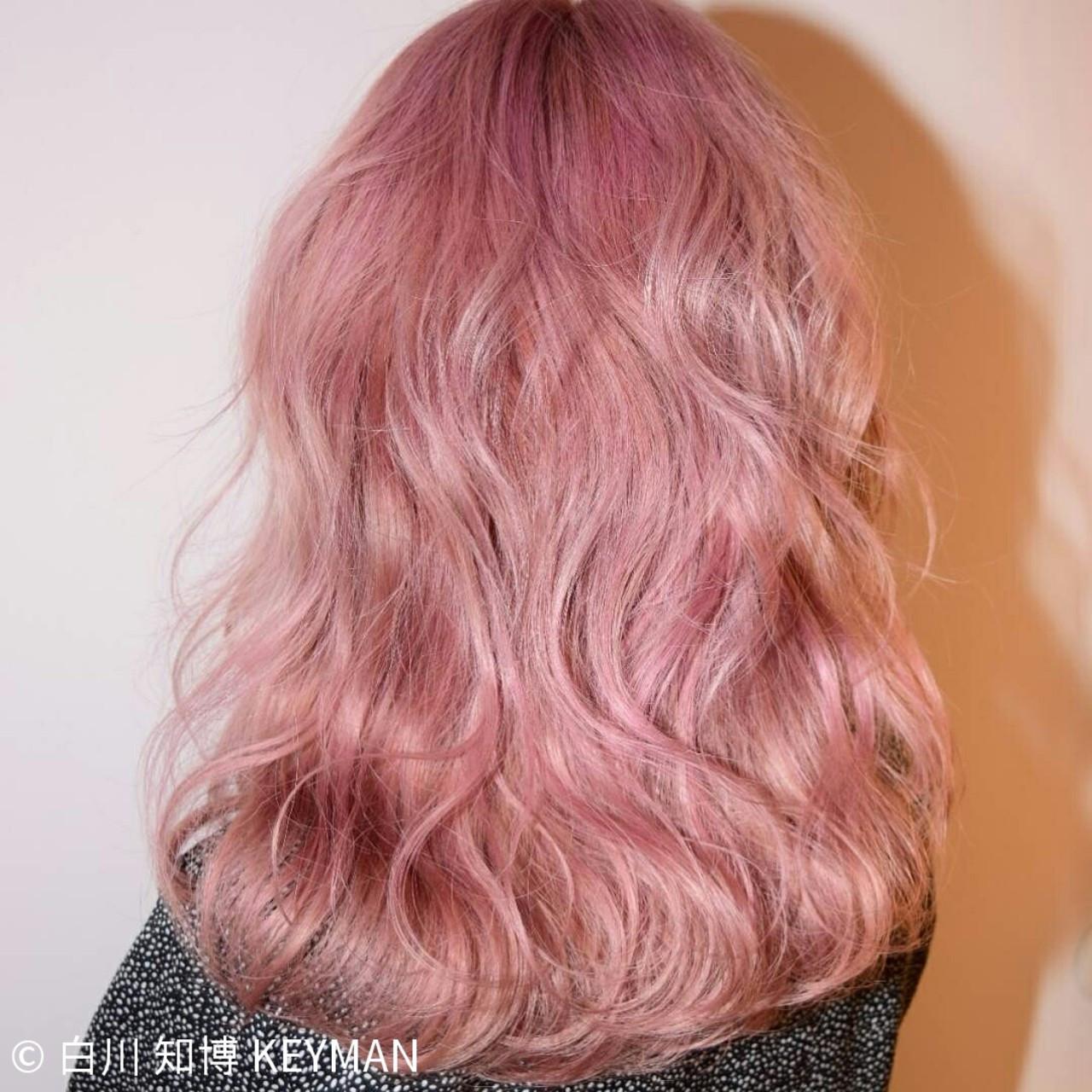 外国人風 ピンク ナチュラル カラーバター ヘアスタイルや髪型の写真・画像