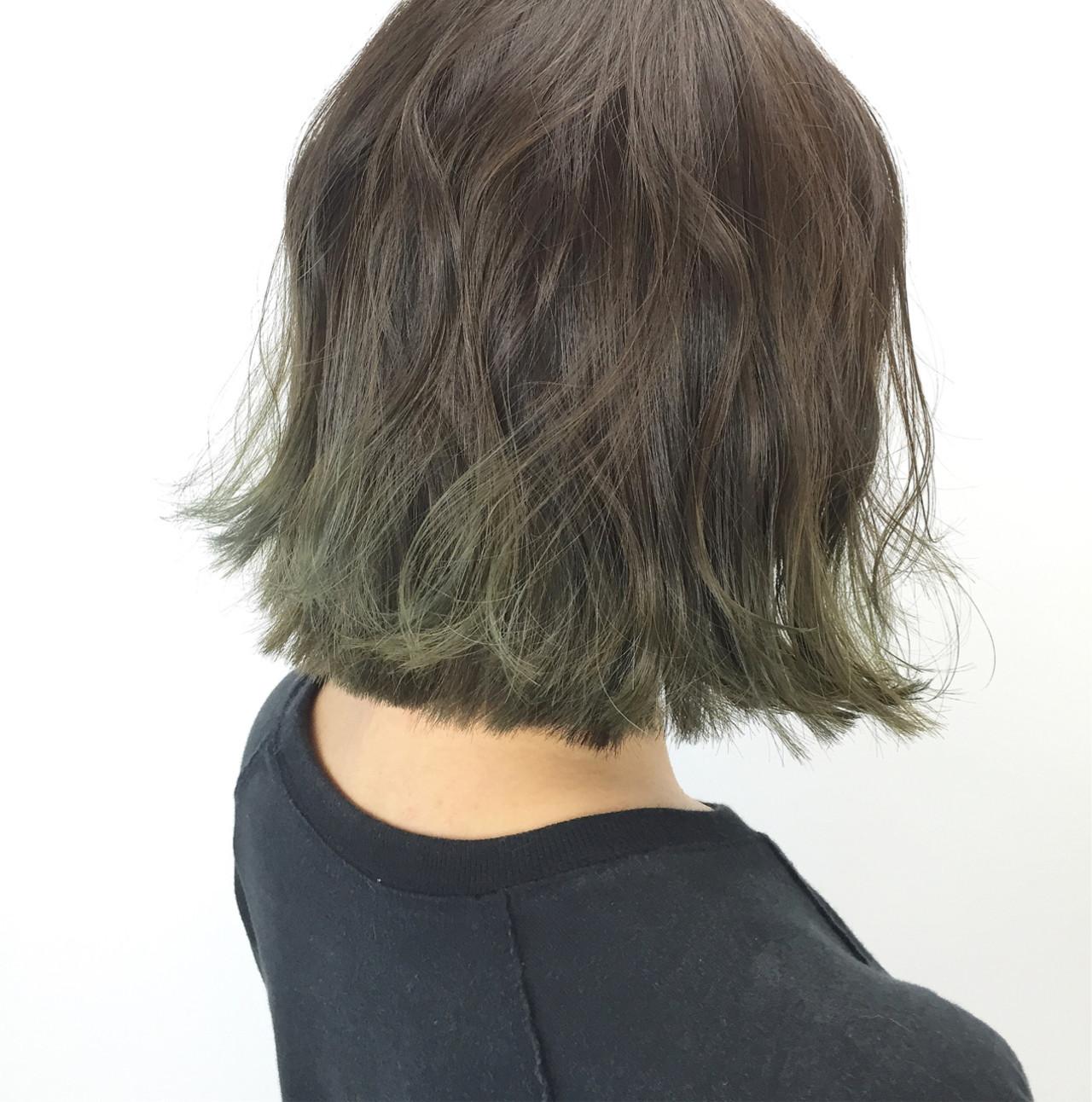 外ハネ オリーブアッシュ ストリート ボブ ヘアスタイルや髪型の写真・画像
