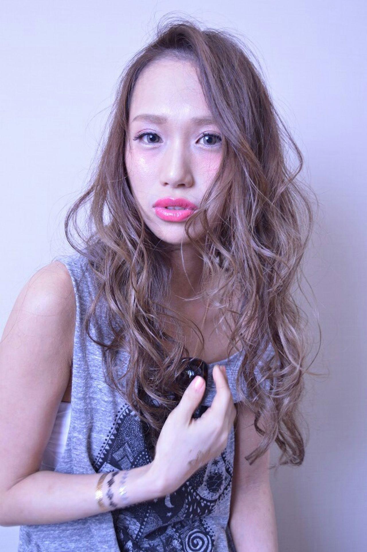 外国人風 グラデーションカラー ラベンダー アッシュ ヘアスタイルや髪型の写真・画像