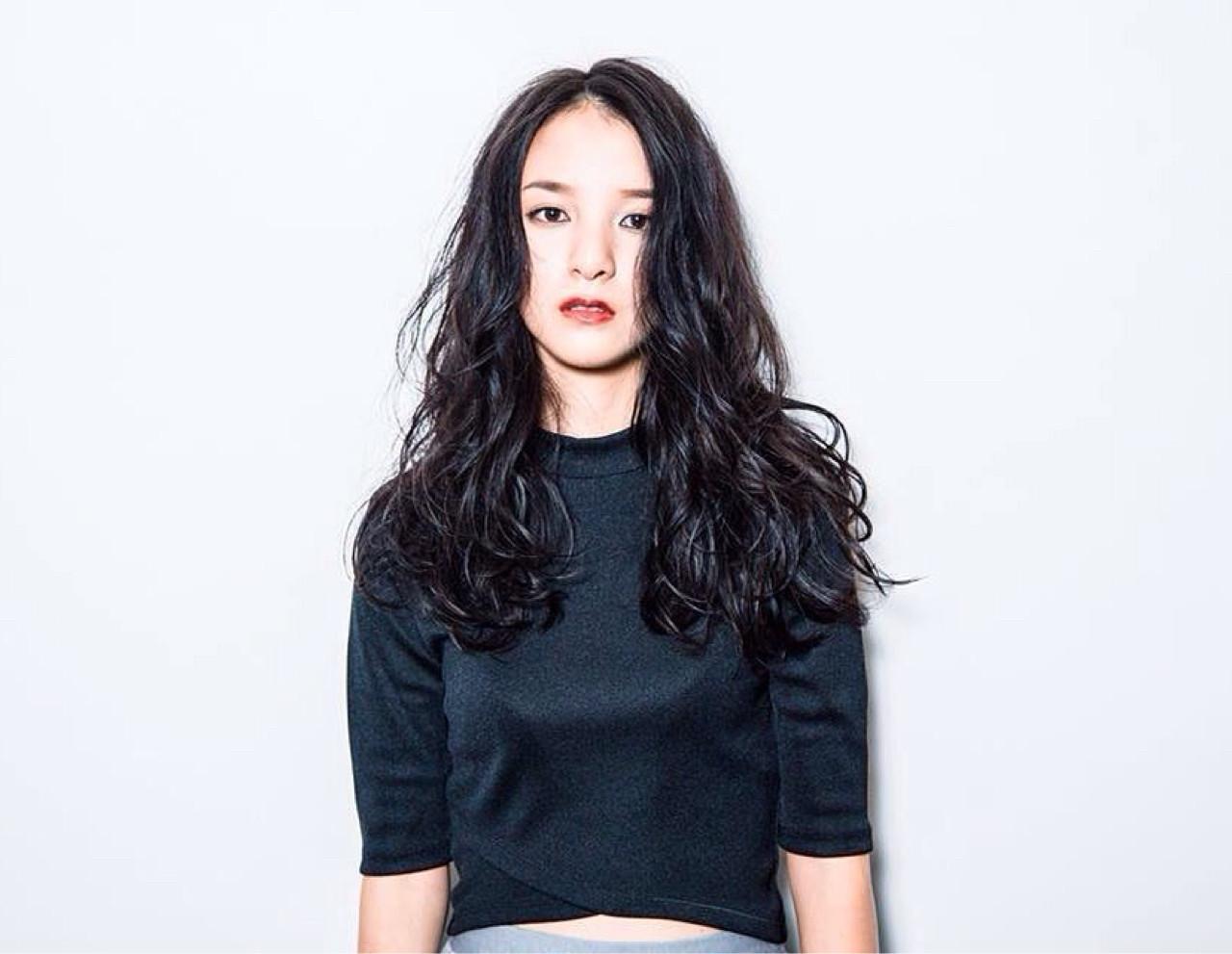 モード 黒髪 外国人風 ロング ヘアスタイルや髪型の写真・画像