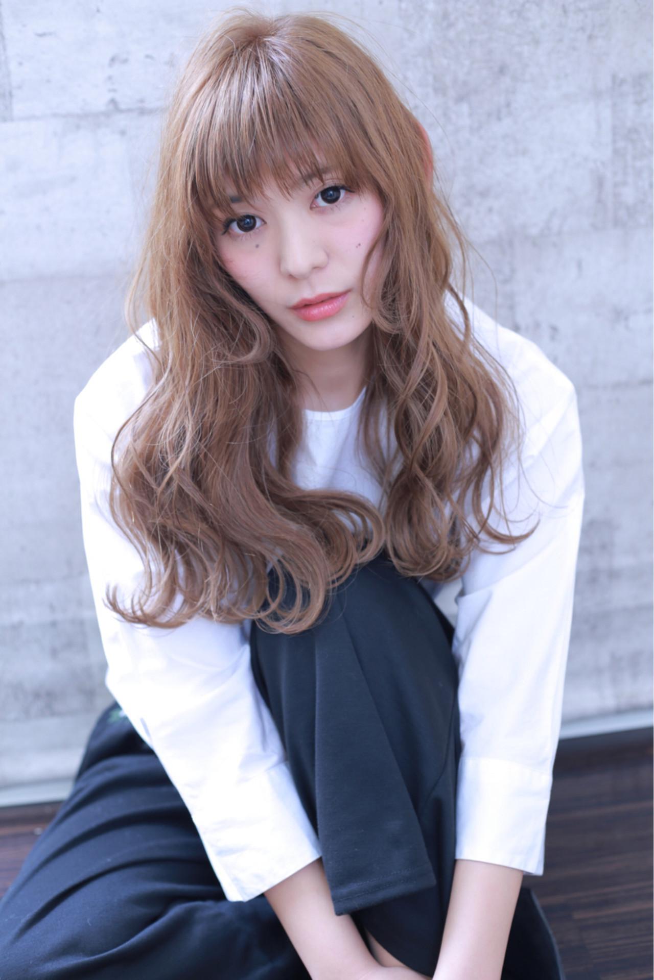 前髪あり ベージュ ダブルカラー ブリーチ ヘアスタイルや髪型の写真・画像
