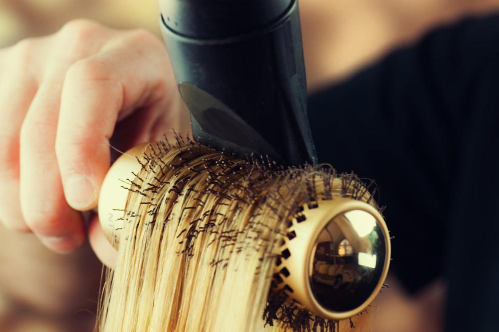朝のスタイリングを時短に!前髪のくせ毛を早く直す方法と時短アレンジ法