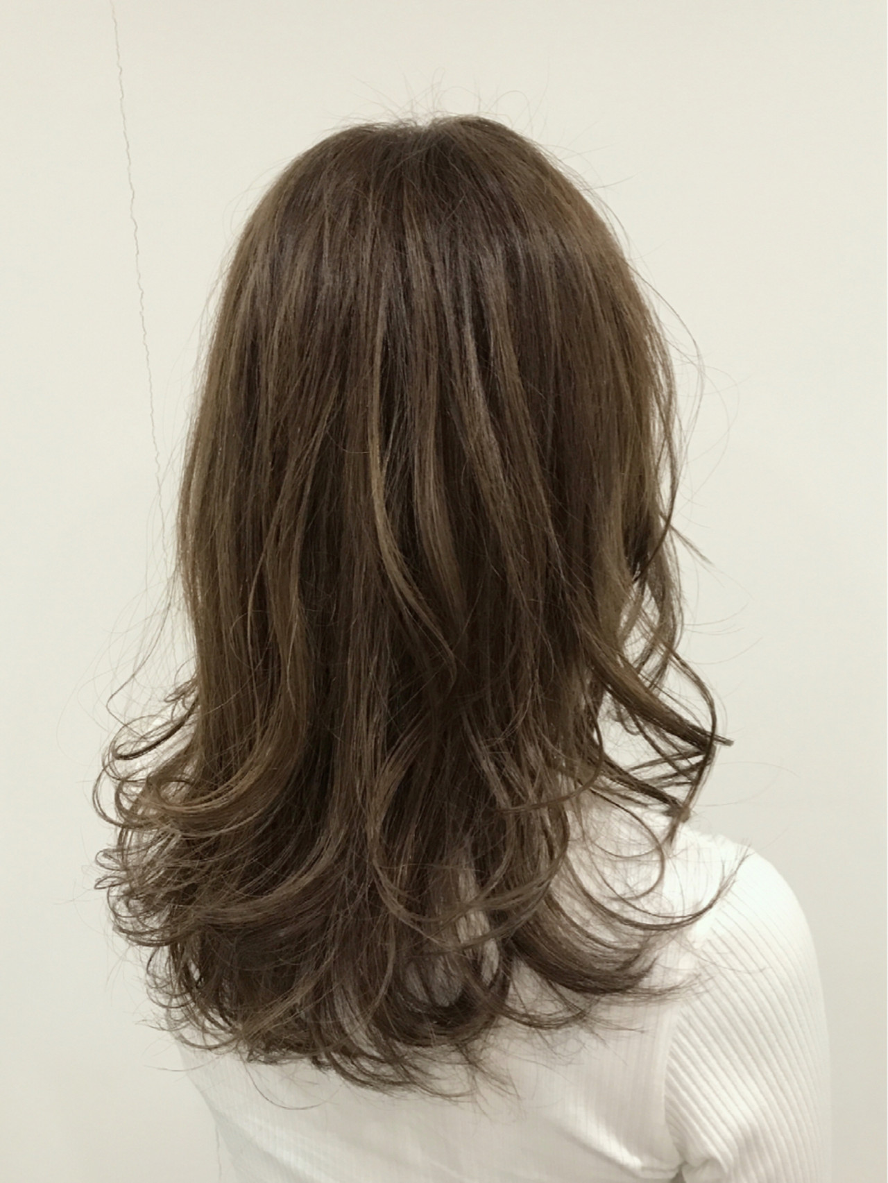 外国人風カラー アッシュ ナチュラル ゆるふわ ヘアスタイルや髪型の写真・画像