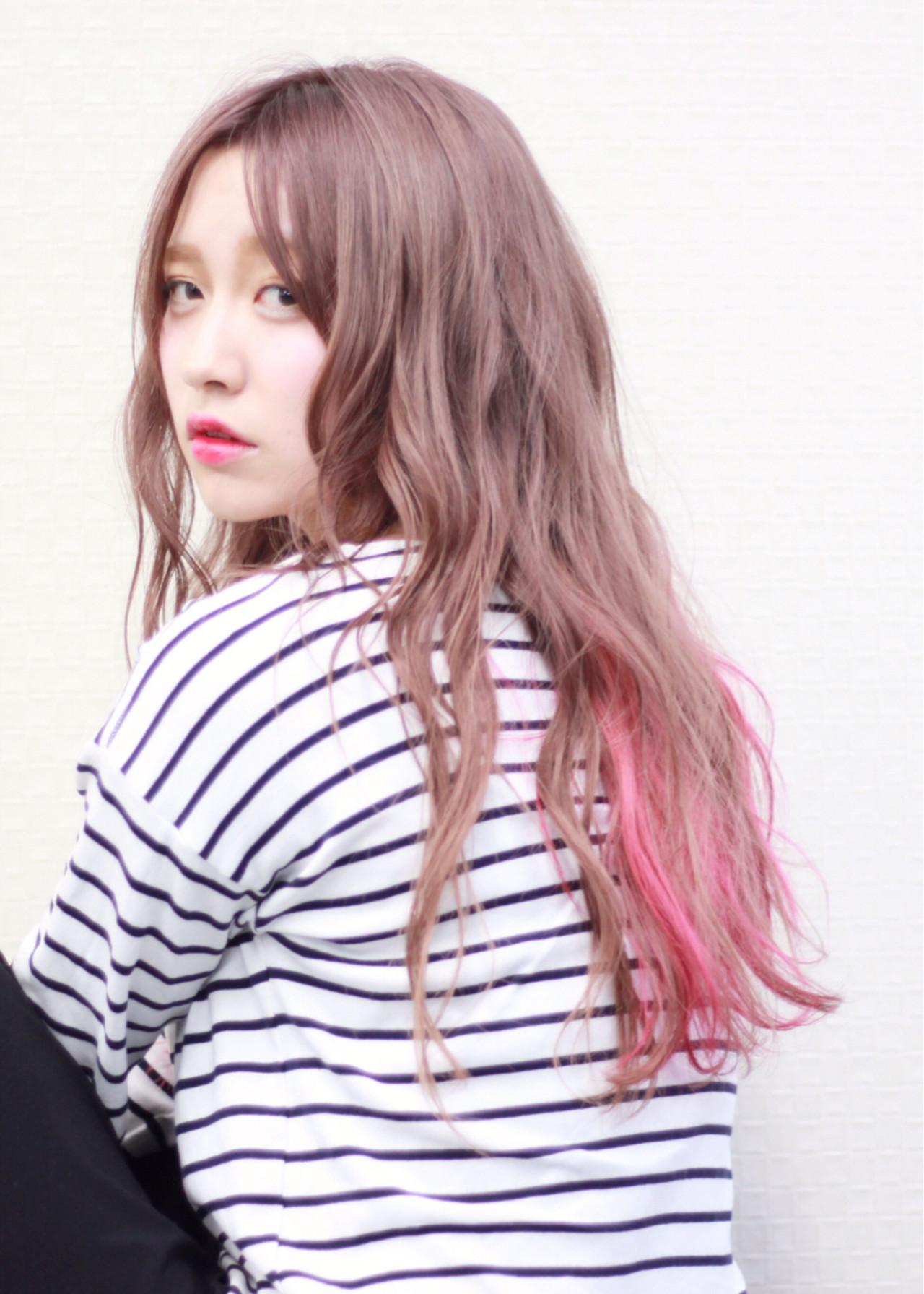 インナーカラー ピンクアッシュ ピンク グラデーションカラー ヘアスタイルや髪型の写真・画像