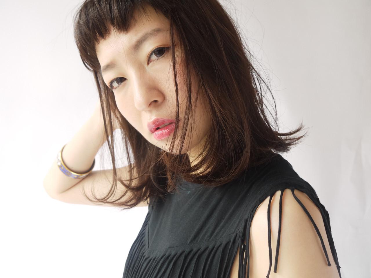 前髪あり ショートバング ナチュラル 暗髪 ヘアスタイルや髪型の写真・画像