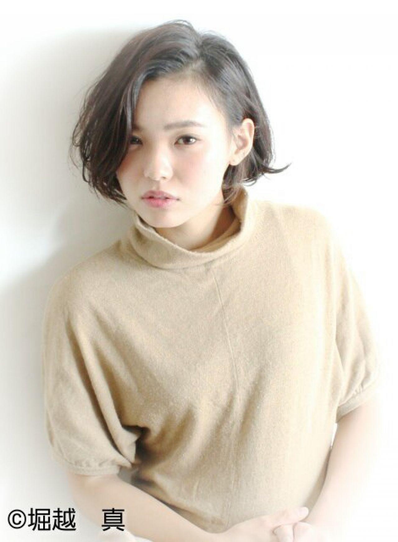 大人かわいい 外国人風 ボブ かき上げ前髪 ヘアスタイルや髪型の写真・画像