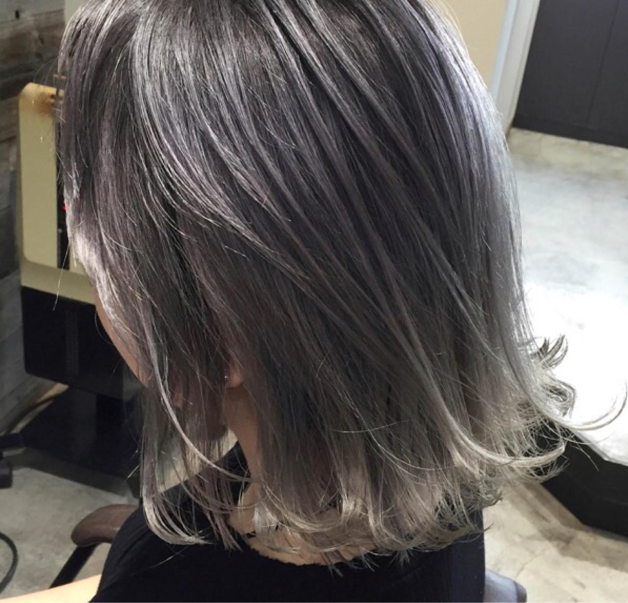 ハイライト ホワイト 外国人風 シルバーアッシュ ヘアスタイルや髪型の写真・画像