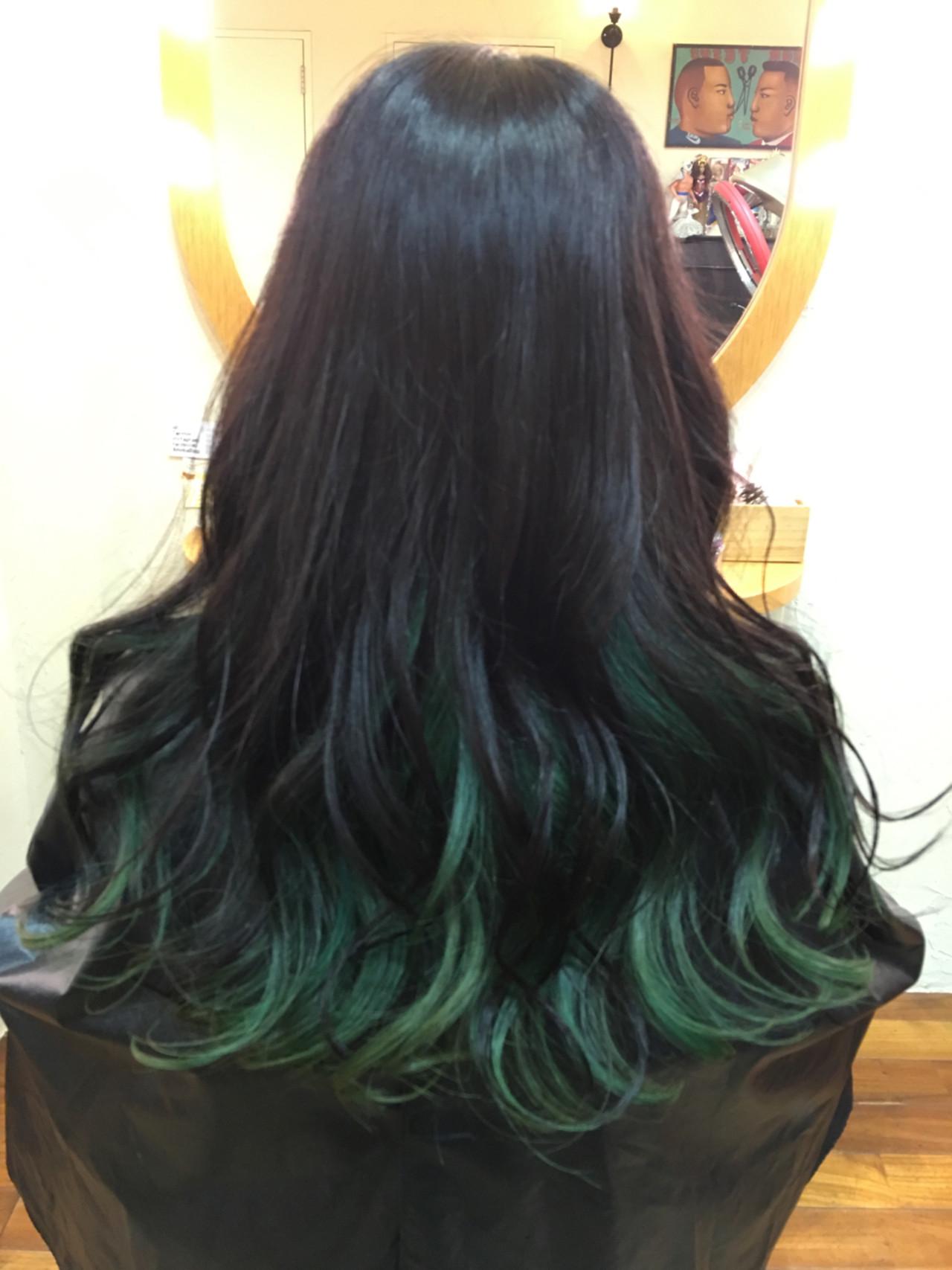 グリーン ロング グラデーションカラー 外国人風カラー ヘアスタイルや髪型の写真・画像