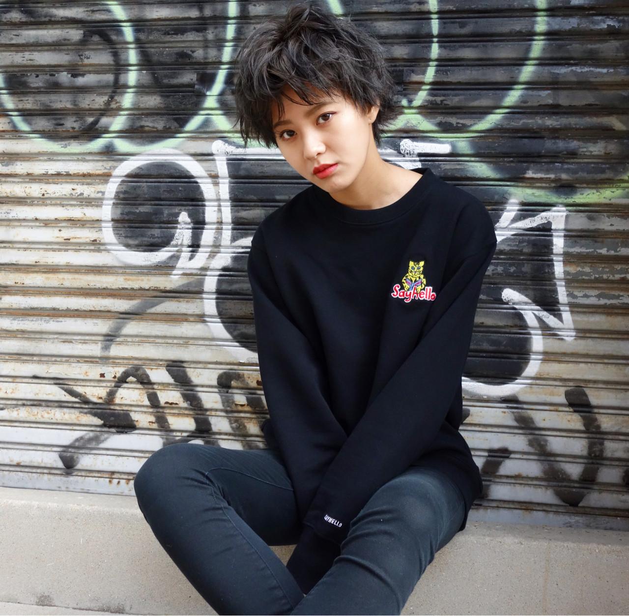 ショート ストリート ラフ 暗髪 ヘアスタイルや髪型の写真・画像