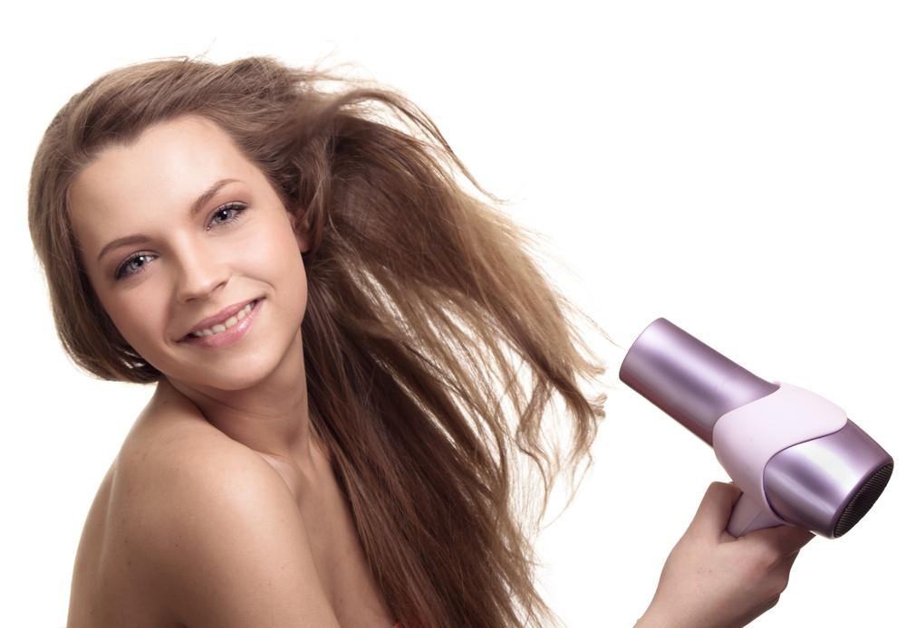【解決】髪がボサボサになる人の特徴&ヘアケア対策まとめ
