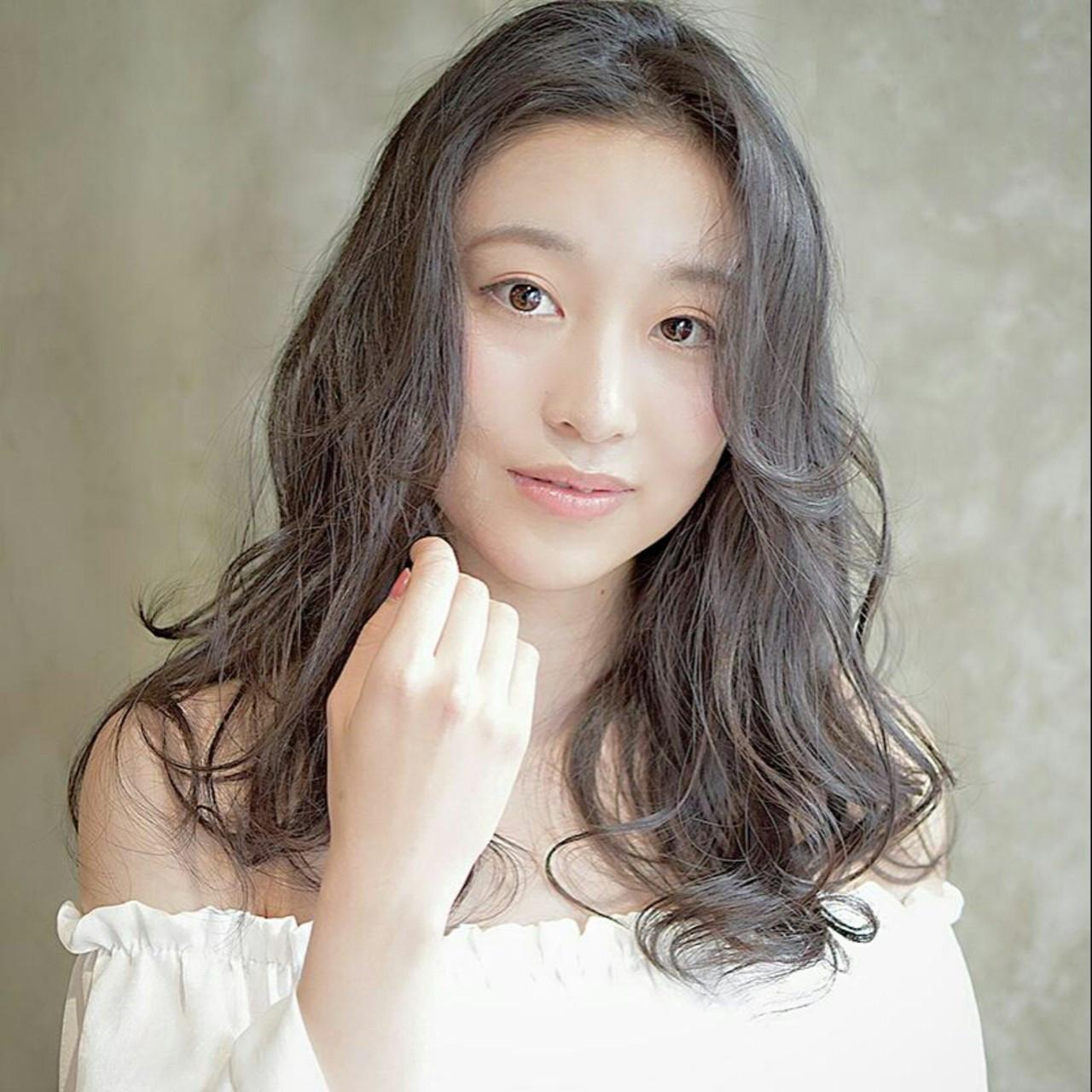 くせ毛を髪型に活用!ショートからロングまで髪の長さ別おすすめスタイル 鈴木晶子