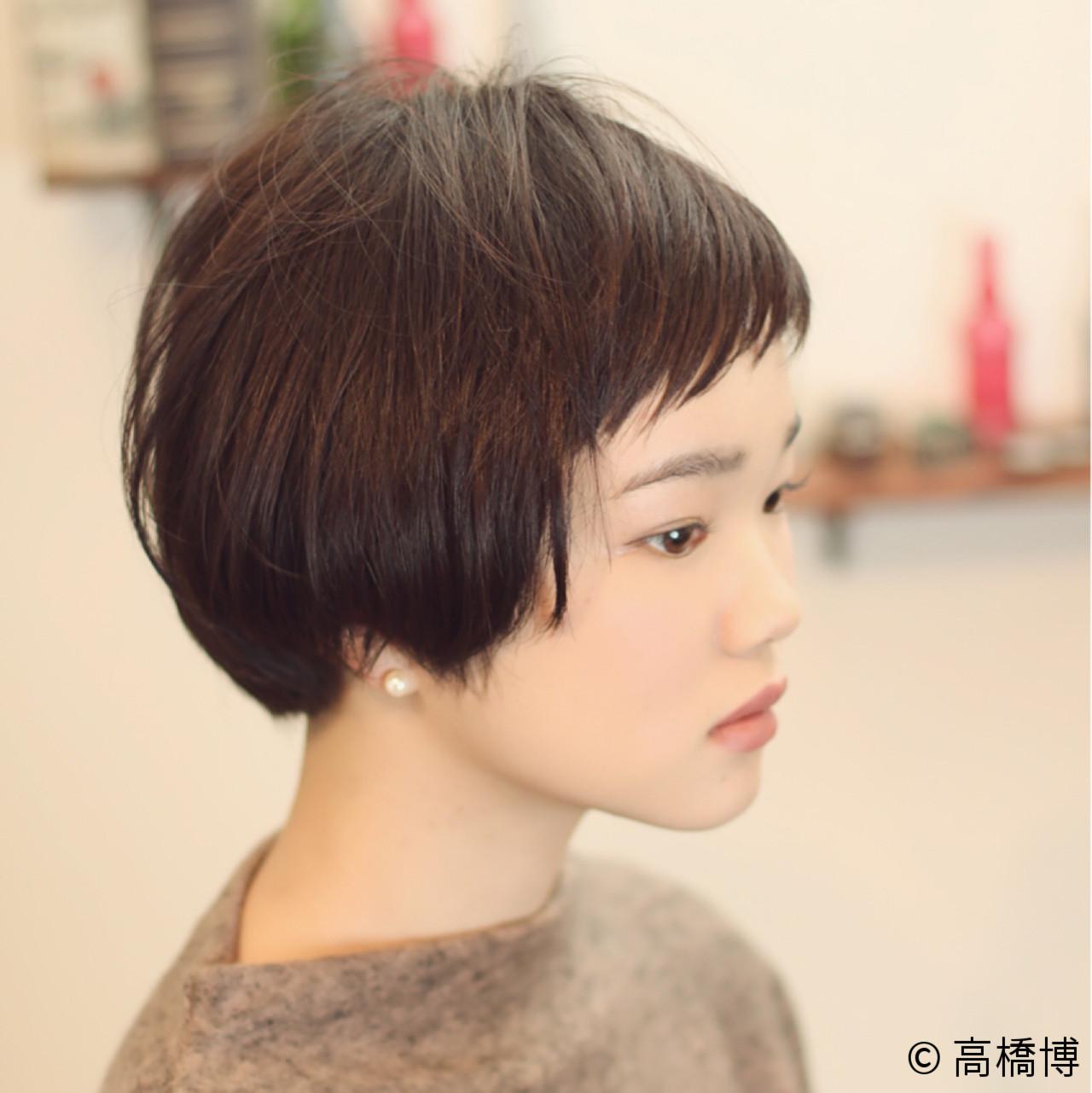 ショートバング ショートボブ ナチュラル 黒髪 ヘアスタイルや髪型の写真・画像