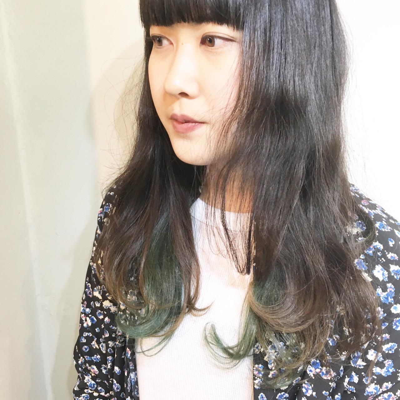 セミロング ウルフカット ミルクティー マッシュ ヘアスタイルや髪型の写真・画像