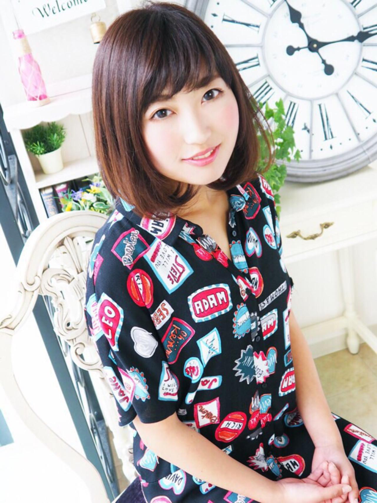 ミディアムヘアをもっと可愛く見せちゃおう♪内巻き・外巻きスタイル10選 安藤美桜