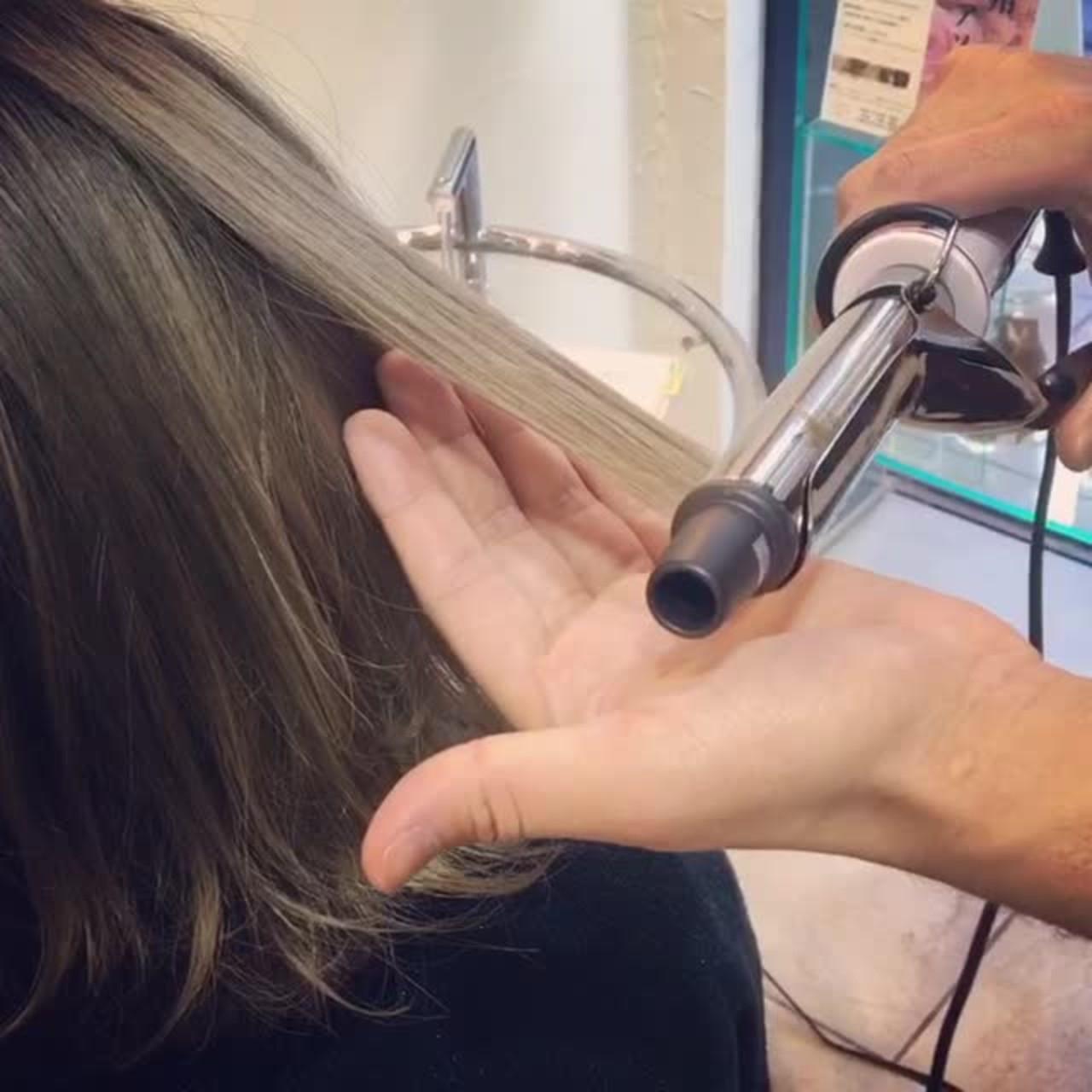 ボブ ハーフアップ 外ハネ 巻き髪 ヘアスタイルや髪型の写真・画像